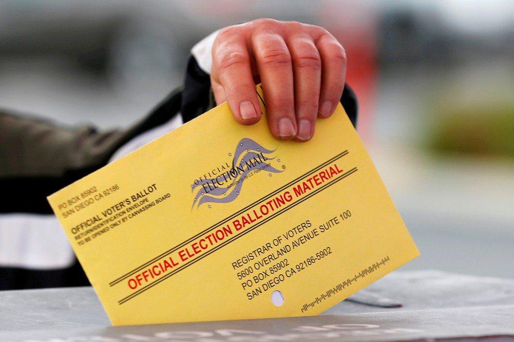 布倫南認為目前「一人一票,票票等值」的民主制,有很高的風險做出錯誤決策。 圖/路...