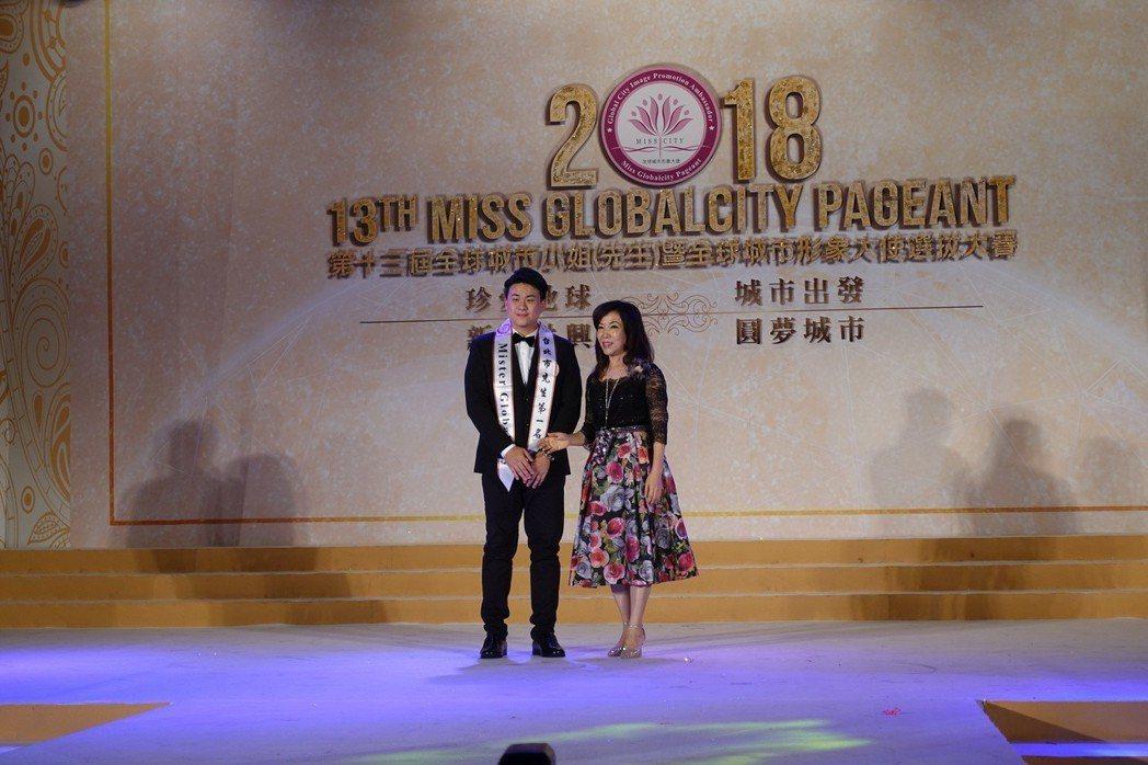 東南科大周家正同學獲頒台北市先生第一名  東南/提供