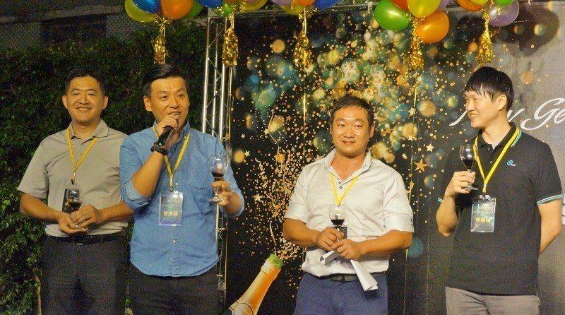 左二:台中市機械業二代協進會曾煥龍。 徐谷楨/攝影