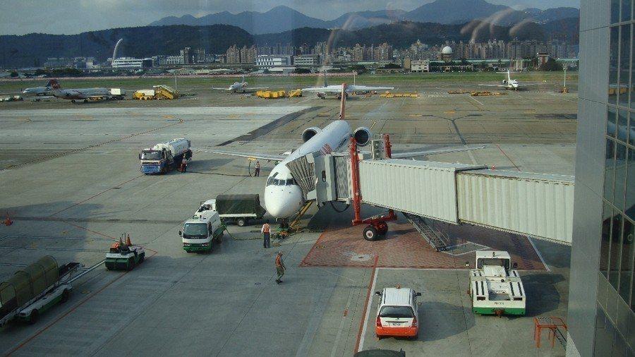 專家任為,交通部反制外航不但影響旅客的權益,也會讓外航減少與桃機合作機會,影響與...