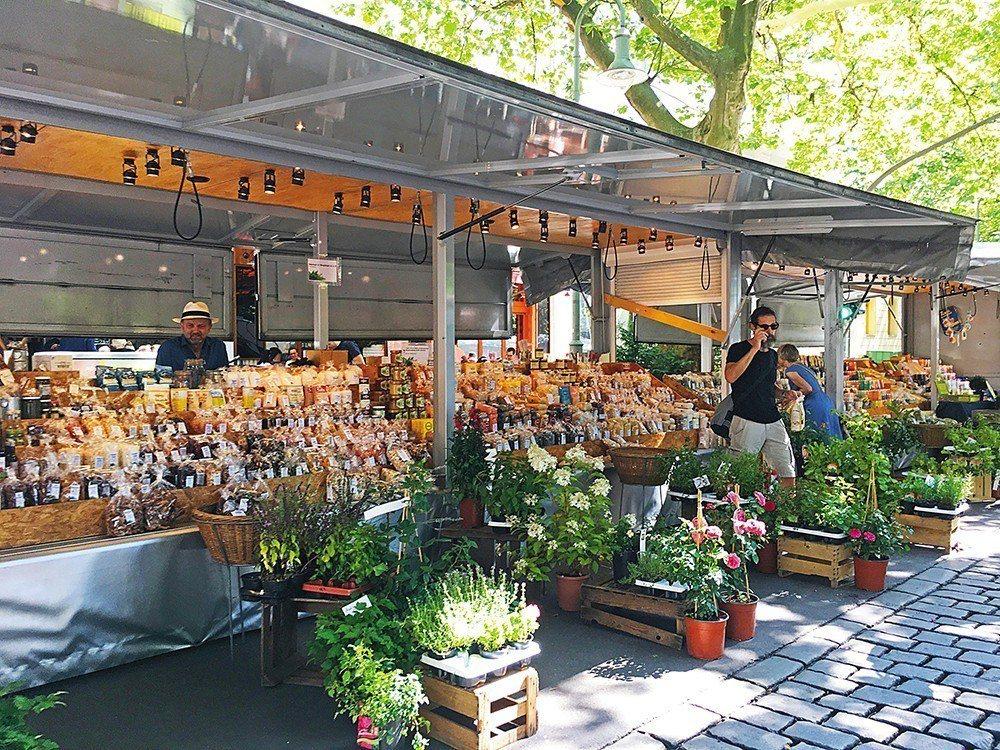 Kollwitzplatz Farmer's Market 位在有「柏林瑪黑區」...