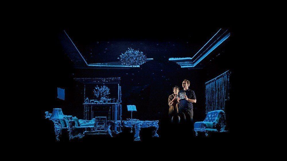 2016年台北階段性發表劇照。劇中房間背景為狠主流團隊以特殊機台Kinect掃描...