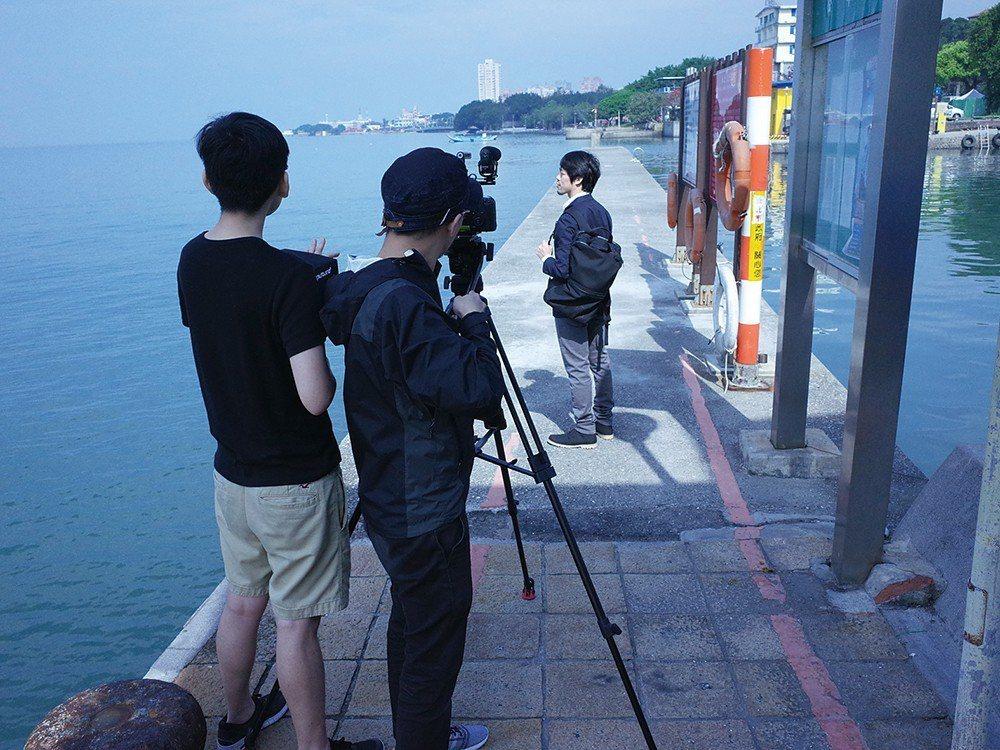 創作之初,周東彥曾請兩位演員分別縱身躍入淡水河和哥本哈根港,作為兩城的連結。