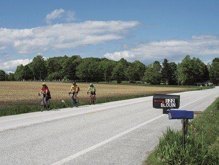 單車客自北赫羅往南騎 (照片/紐約時報提供)
