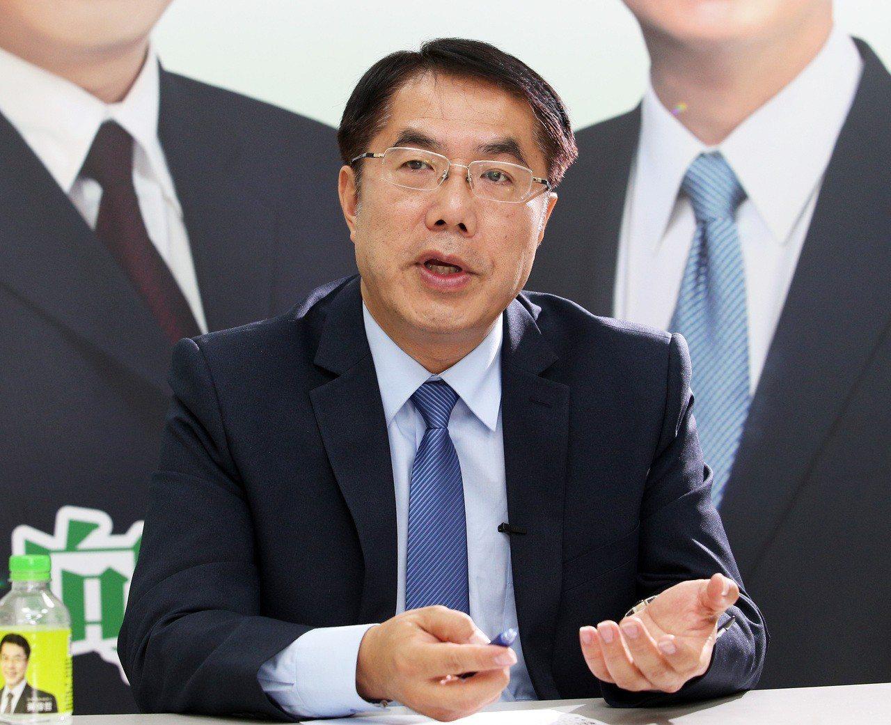 民進黨台南市長參選人黃偉哲認為他可以帶領台南邁向新紀元。記者劉學聖/攝影