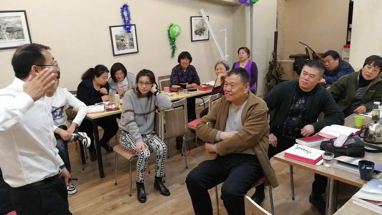 北京基督教徒因為教會近日遭斷水斷電,場地遭停租,甚至要求在教會裝監視器,信仰遭干...