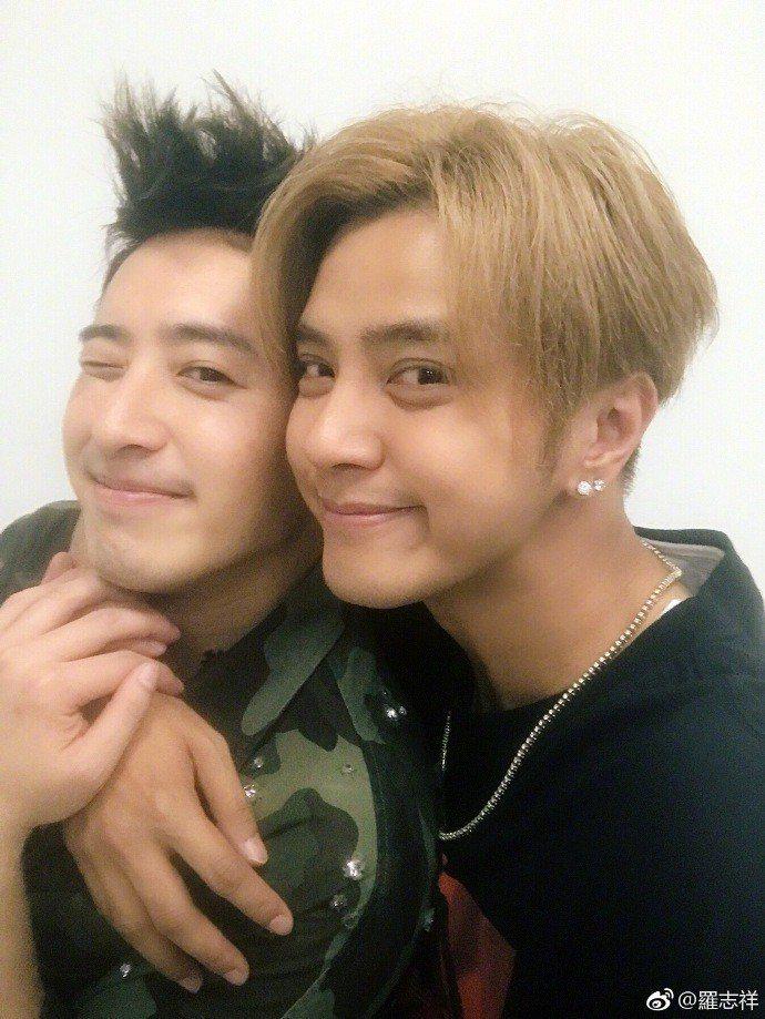 羅志祥(右)跟潘瑋柏情同兄弟。圖/摘自微博