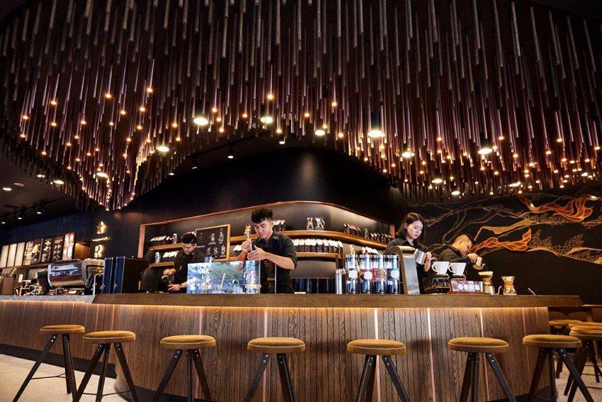 台中大英門市2017年底開賣咖啡啤酒。圖/星巴克提供 ※ 提醒您:禁止酒駕 飲酒...