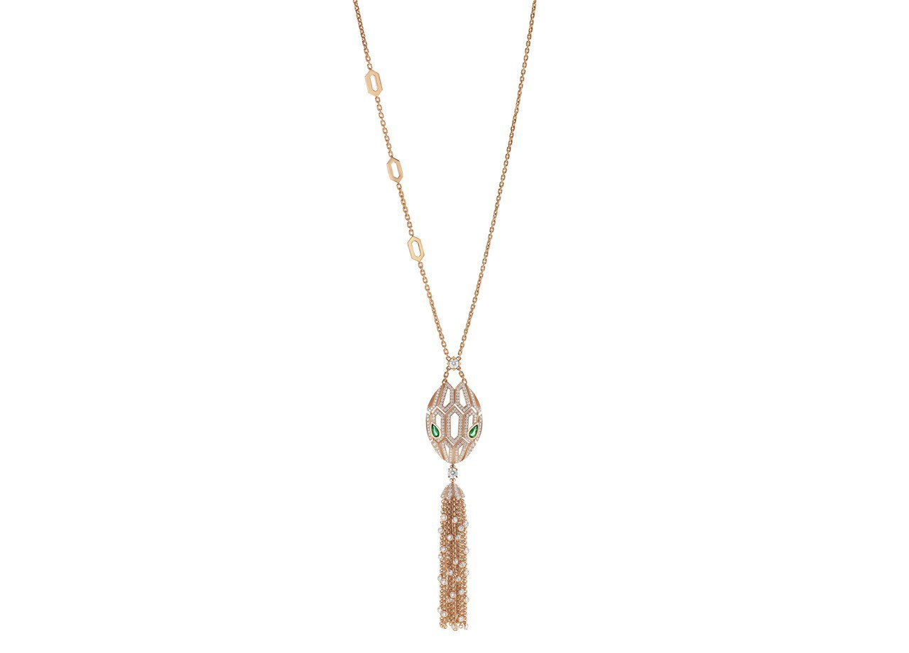 BVLGARI SERPENTI系列玫瑰金祖母綠鑽石項鍊,1,106,000元。...