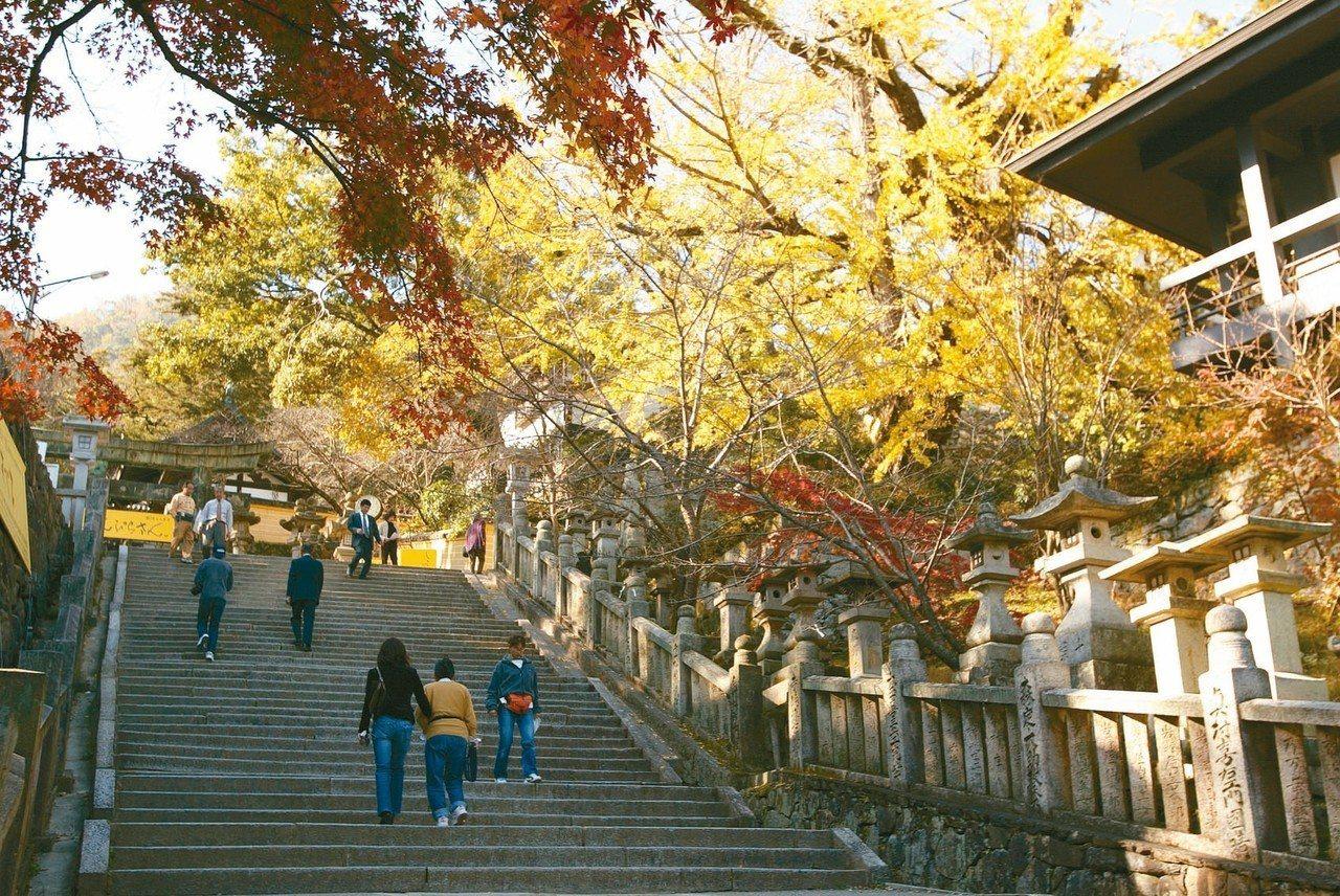 號稱「日本人此生必參拜」的金刀比羅宮。 圖/有行旅提供