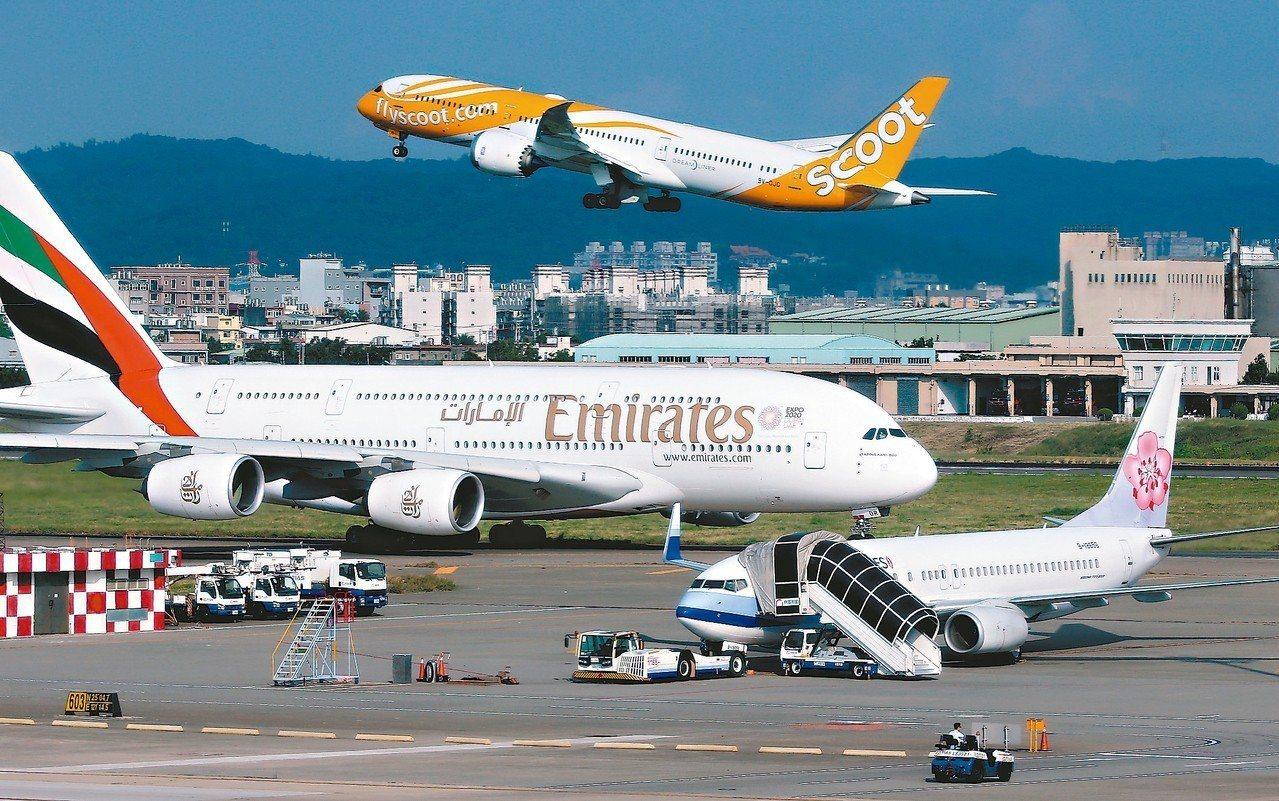 交通部擬針對將台灣更名的外籍航空祭出反制措施,但昨天重申相關措施仍在研議階段。 ...