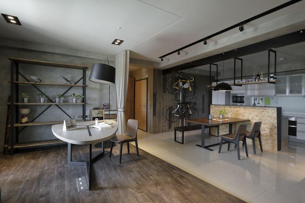 歐德傢俱得獎作品實景一運用複合材質打造LOFT風居家。歐德集團/提供