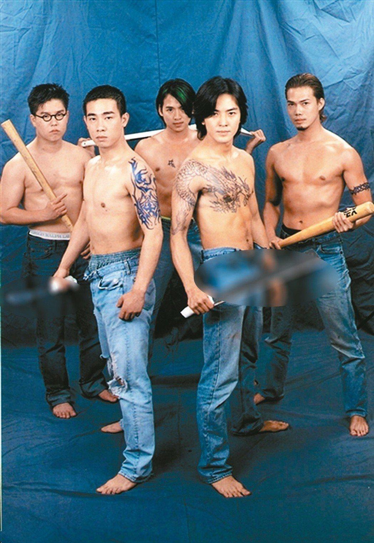 「古惑仔」系列曾在港熱賣,林曉峰(左起)、陳小春、朱永棠、鄭伊健、謝天華的「兄弟