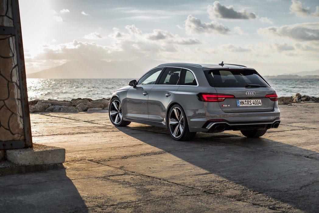 Audi RS4。 摘自Audi