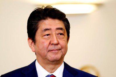 日本首相安倍晉三於2014年重申地方創生的國策。圖/路透社