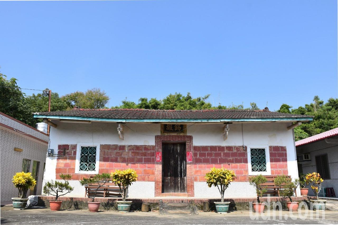 台南左鎮岡林李家古厝,早年有「三落百二門」,一座宅第有120個門,可想見當年的繁...