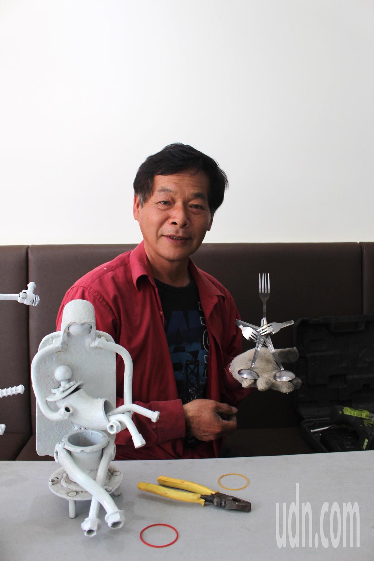 鐵藝愛好者謝照基,用自己的創作品,送給一雙子女作為結婚禮物。記者張雅婷/攝影