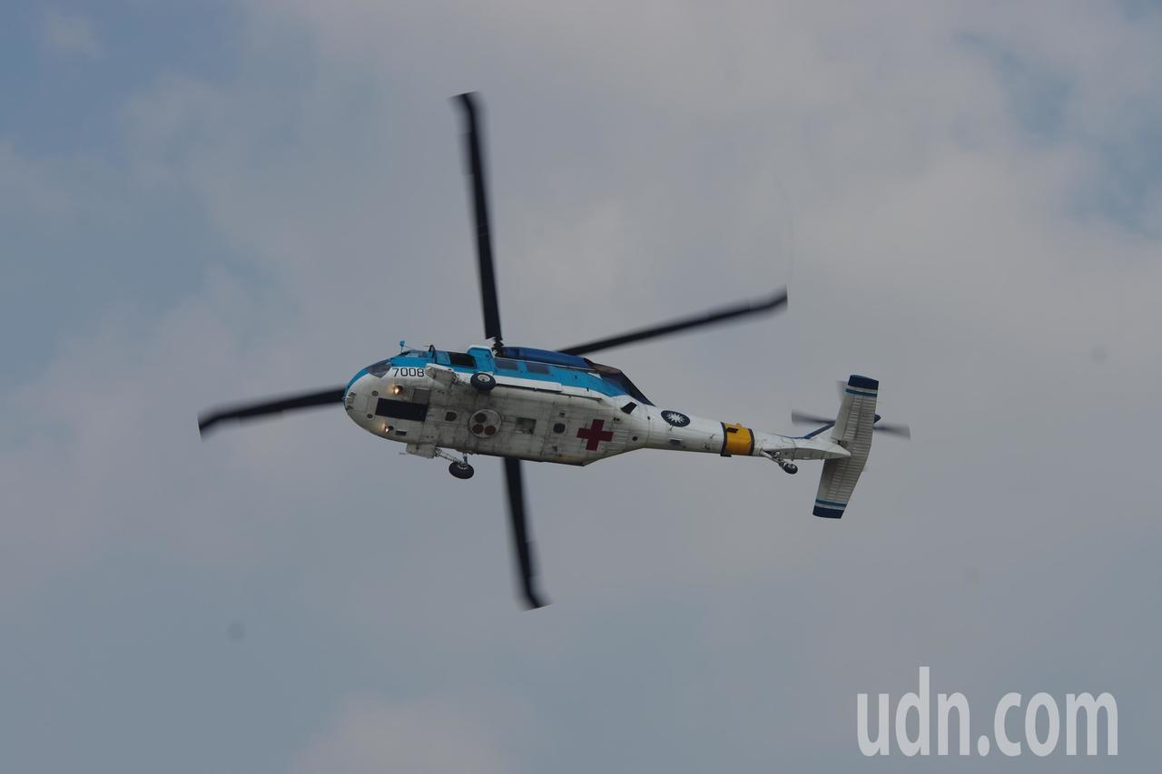 進行飛行表演的S-70C-1。記者程嘉文/攝影