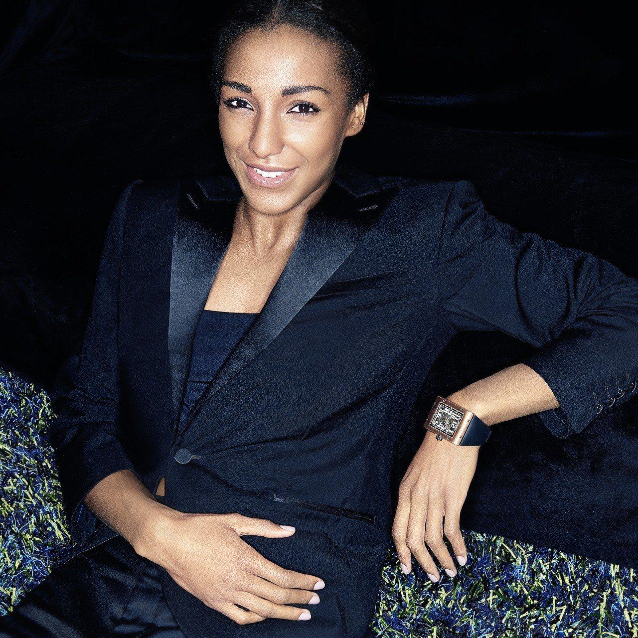 品牌大使Nafi Thiam詮釋RICHARD MILLE RM016超薄腕表。