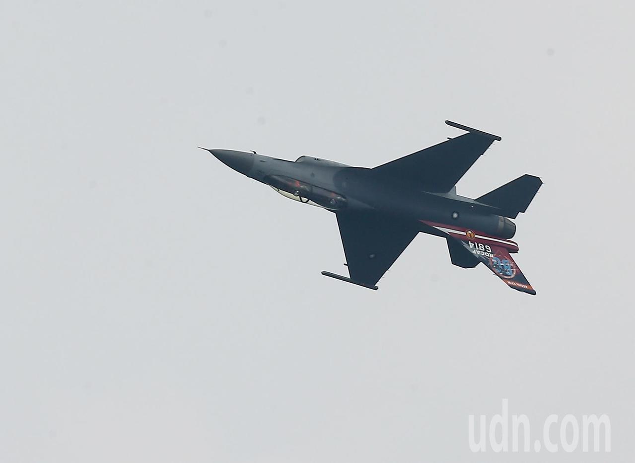 F16型戰機展現優異性能。記者余承翰/攝影