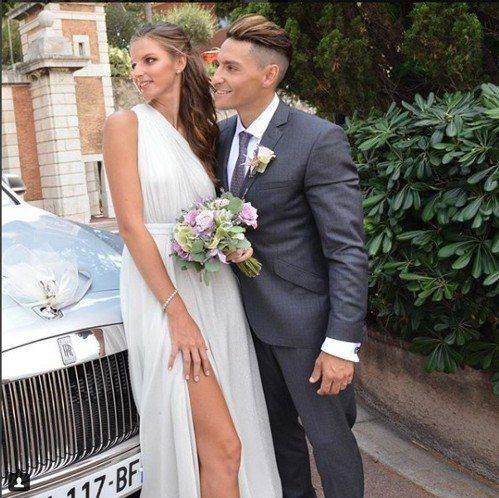 前捷克球后普莉絲可娃於上月26日在IG貼出與經紀人男友赫爾德利奇卡的婚紗照。...