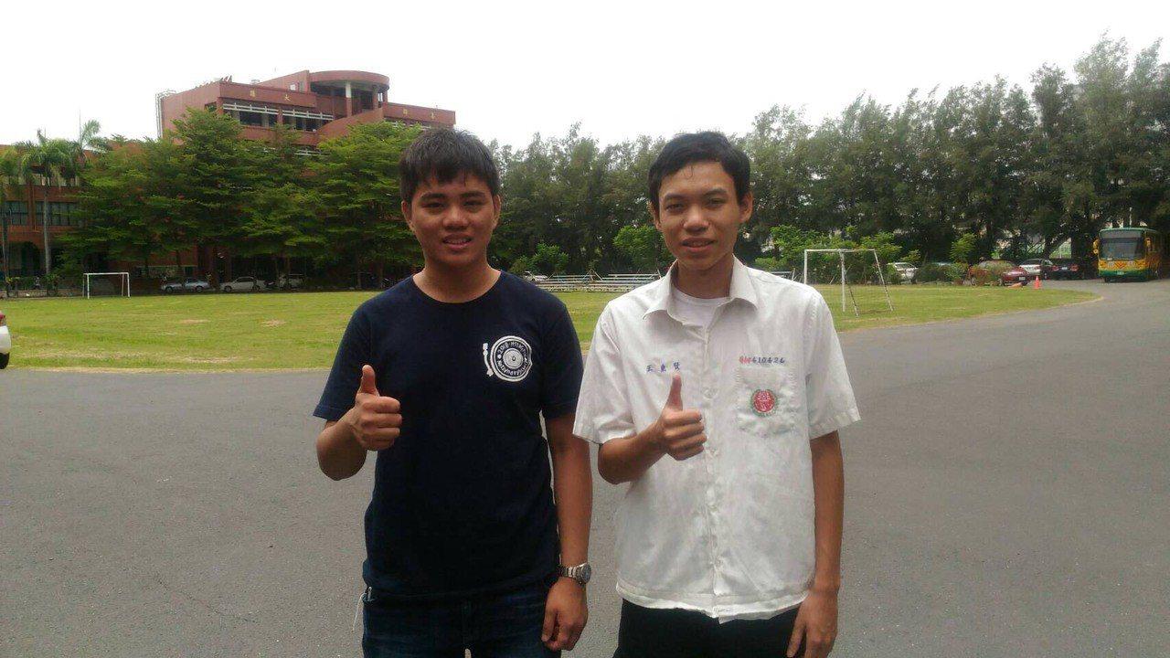 興國高中王重賢(右)捨台大醫科,讀台大物理。圖/興國高中提供