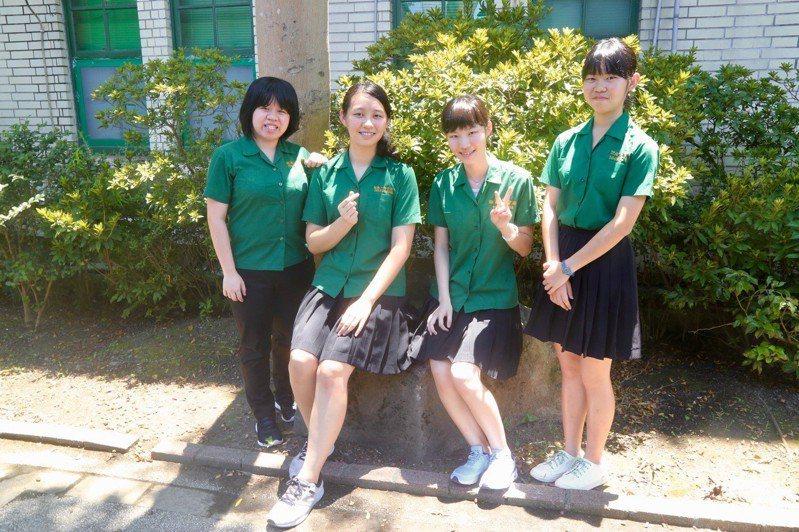 大學指考今放榜,台北市北一女中今年畢業人數915人,錄取台灣大學共計254人,佔27.8%。記者魏莨伊/攝影