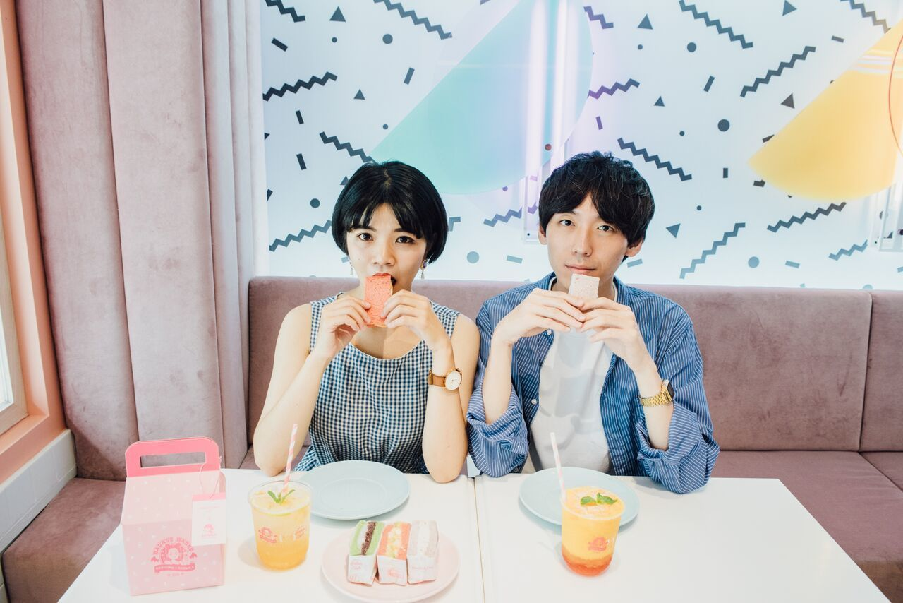 Dazzling Cafe與Zzifan_z合作粉壞甜心系列。圖/Dazzlin...