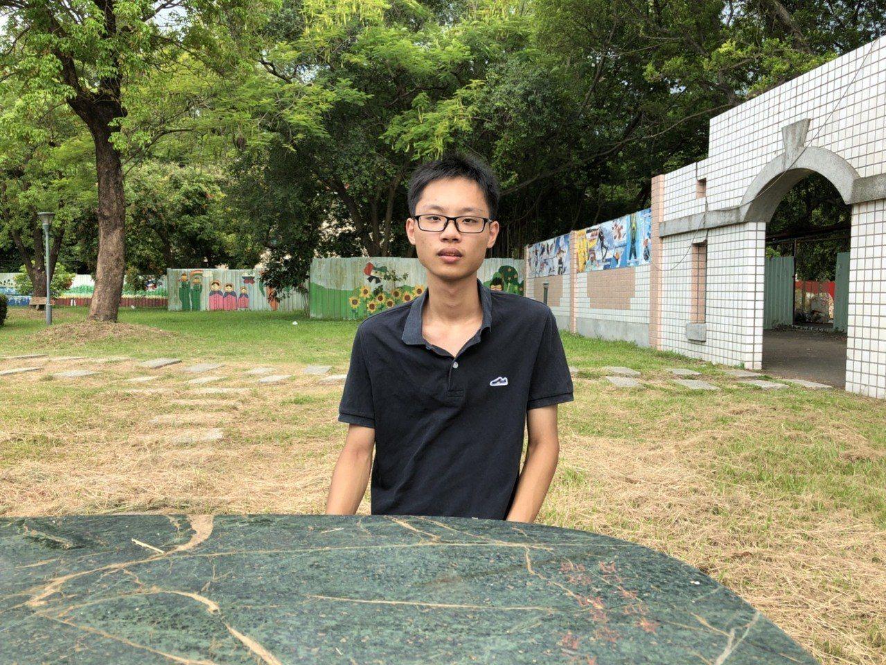 南光高中胡承威上成大法律系。圖╱南光高中提供
