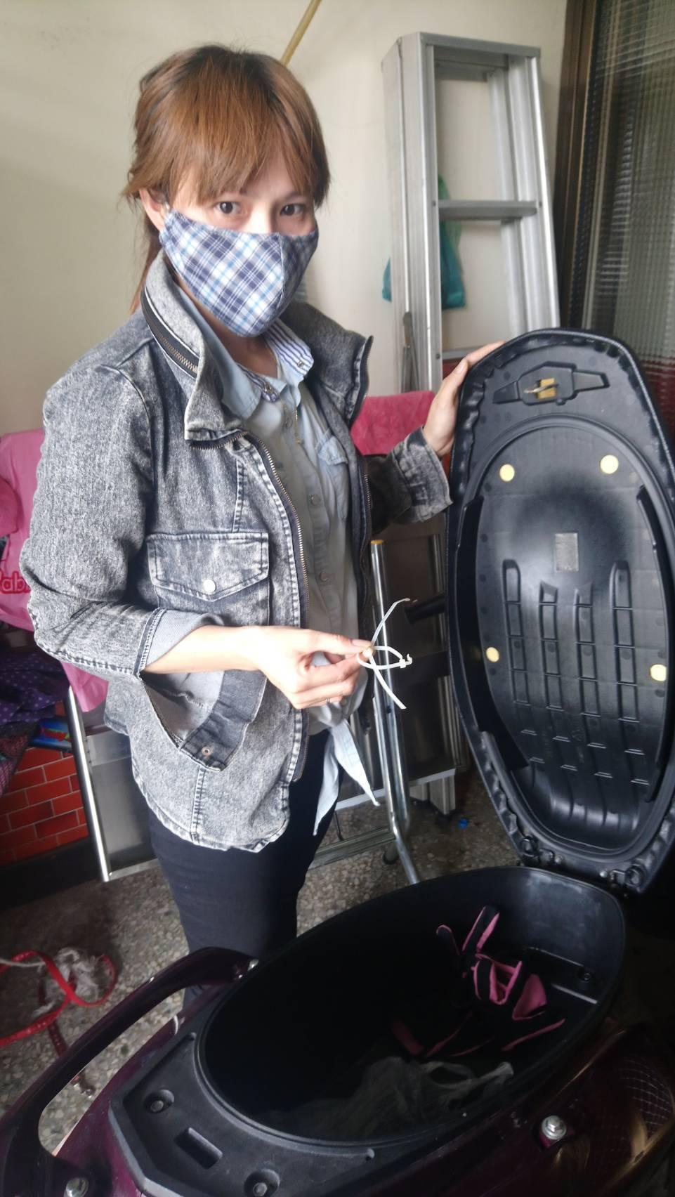 范姓女子認為,機車置物箱內疑被前夫放毒品、槍枝後,報警陷害她。記者卜敏正/攝影