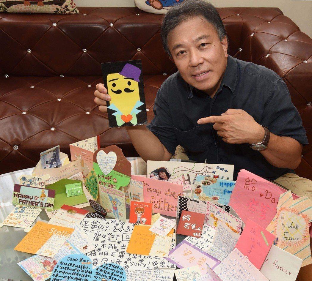 梁舒涵每年父親節都會親手寫卡片給爸爸。圖/TVBS提供