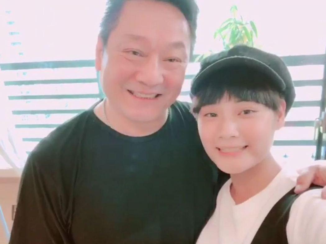 林義芳(左)女兒林宜禾也出道當演員。圖/TVBS提供