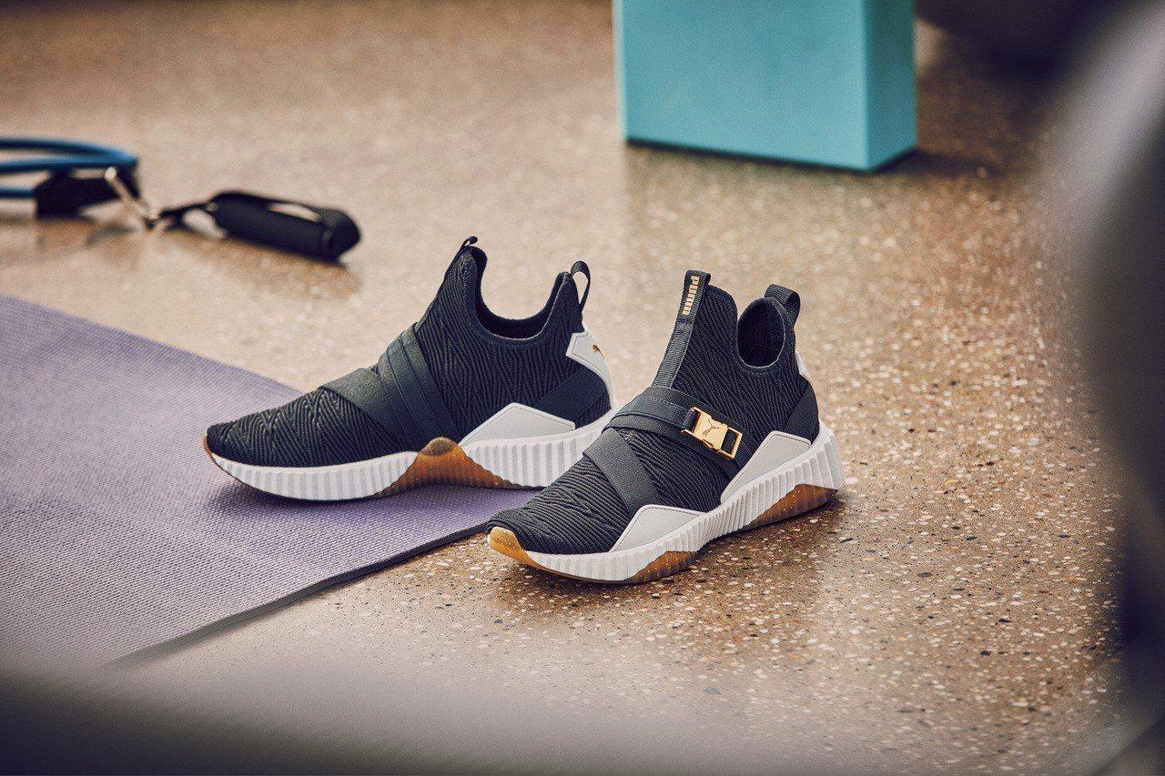 PUMA Defy Mid系列訓練鞋3,380元。圖/PUMA提供