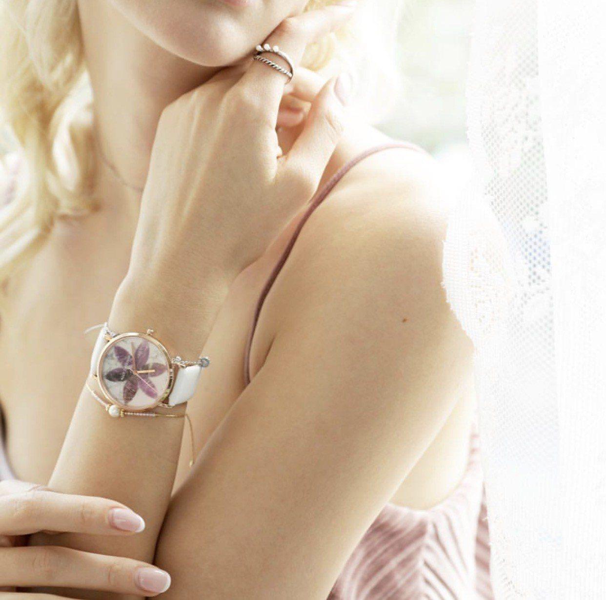 ALLY DENOVO 「花樣大理系列」浪漫紫羅蘭配白表帶,36毫米表盤附特殊的...