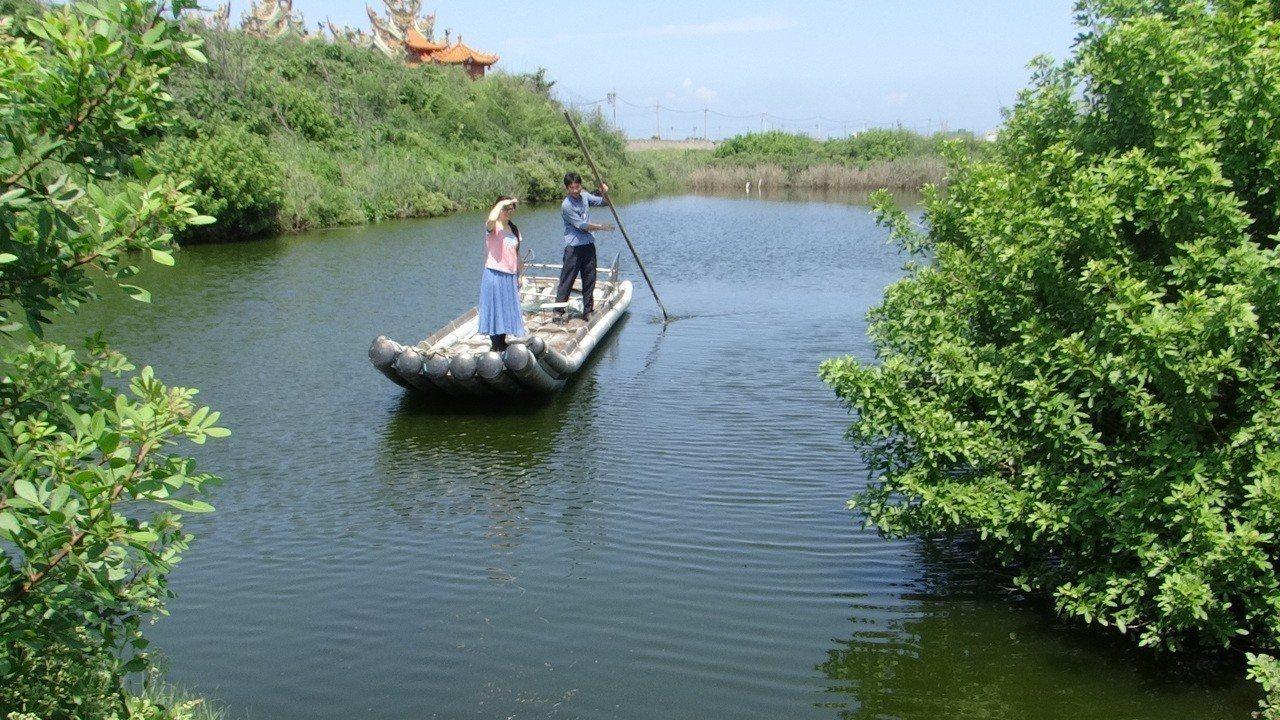 台西國小校長戴進隆毅然辭職投入台西鄉長選舉,他更親手將一塊廢地打造成美麗水塘公園...