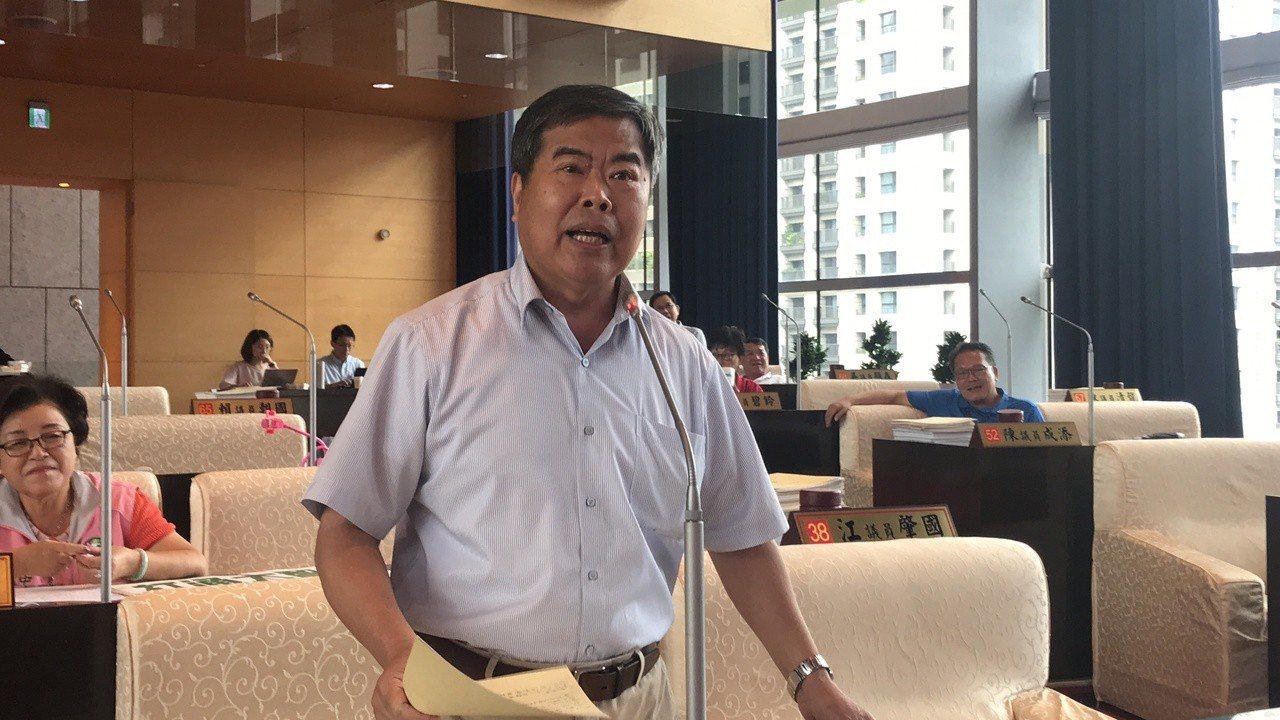 市議員何敏誠表示,打通大智路是在地人最大的願望。記者路陳秋雲/攝影