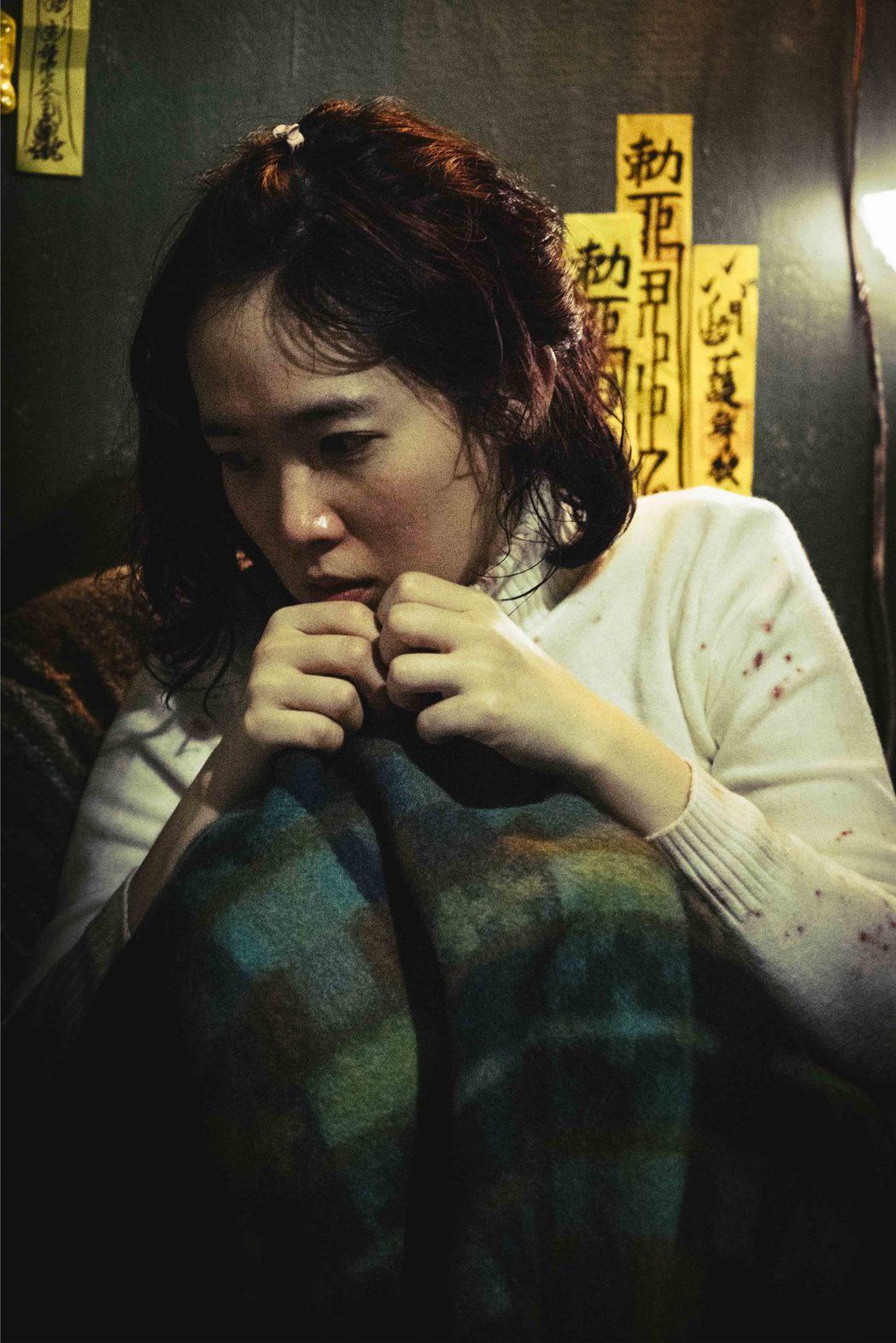 孫可芳演出「粽邪」身心煎熬。圖/華影提供