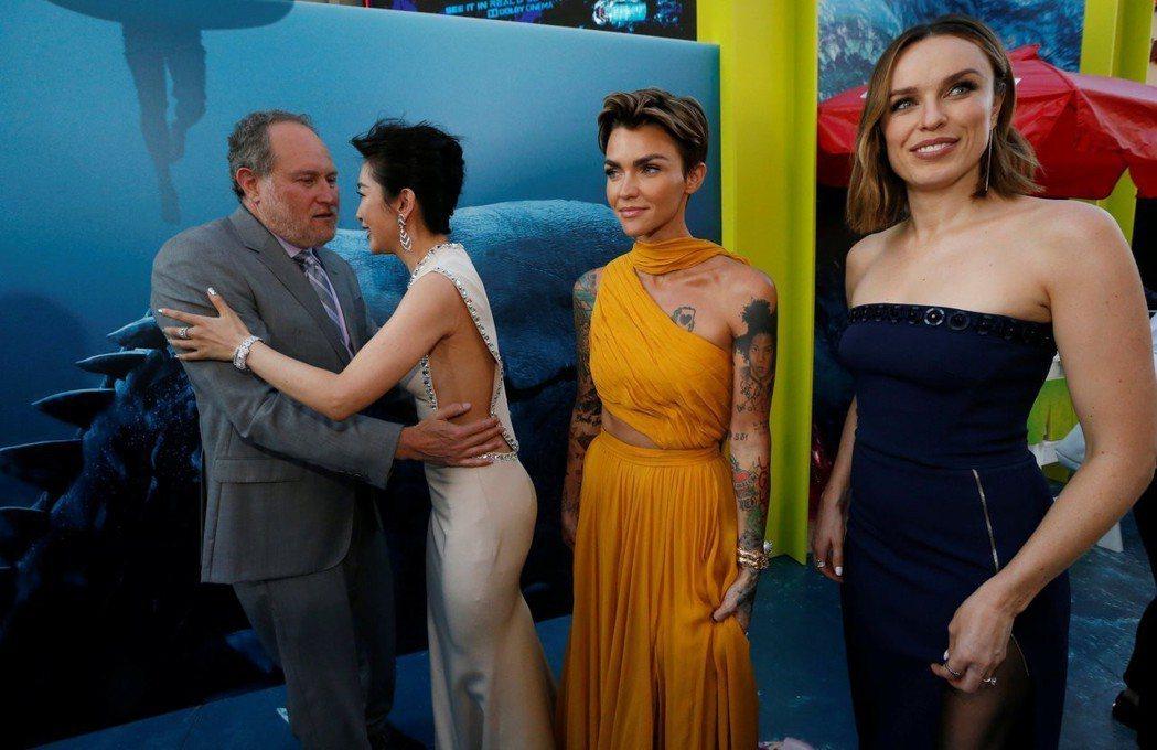 李冰冰和導演相見歡,同片兩位女星Ruby Rose及Jessica McName