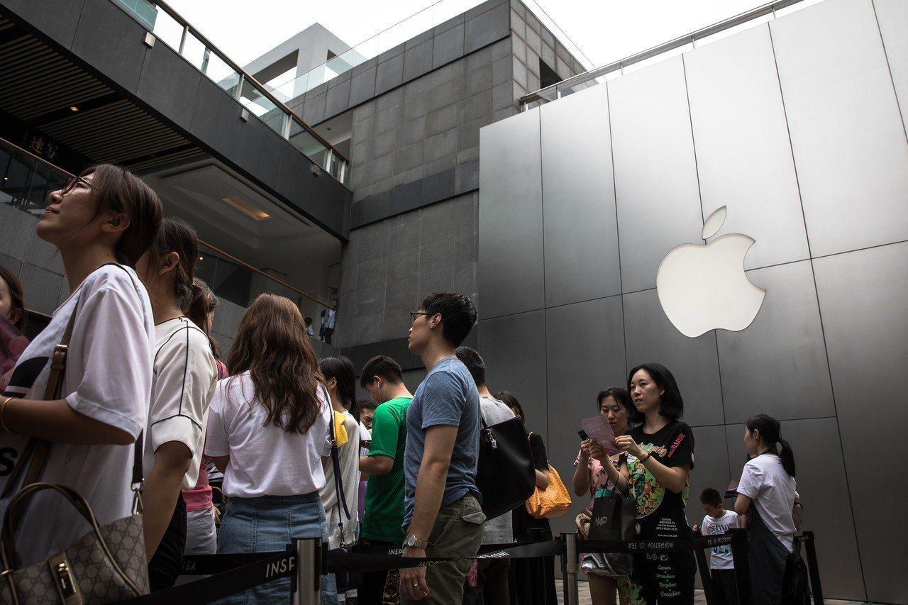 中國可能把蘋果公司當中美貿易戰籌碼,不會向美國投降。 世界日報記者魏碧洲/攝影