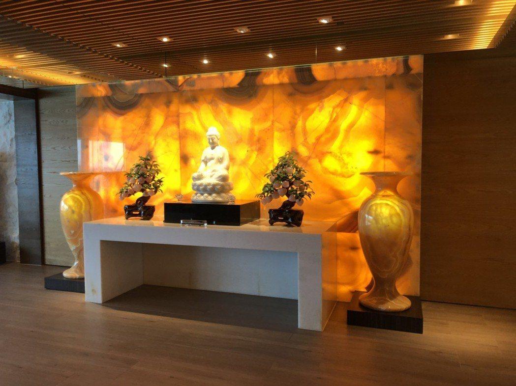 謝貞德在自宅中設置的自在佛堂。
