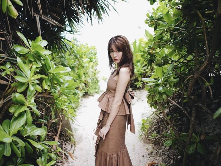 小嶋陽菜還在AKB48時,就展現對時尚濃厚的興趣。圖/擷自instagram