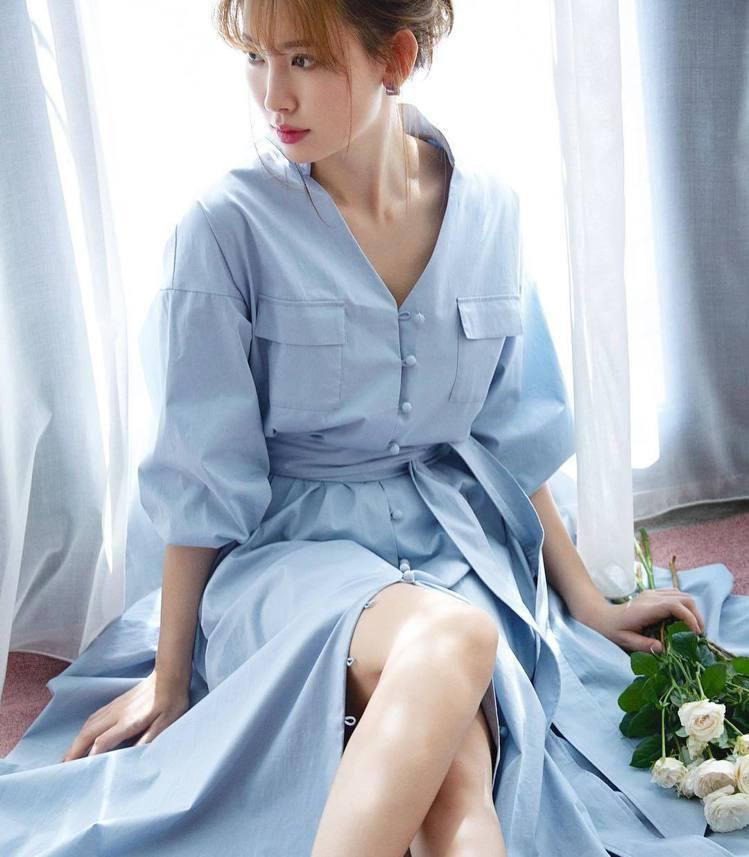 小嶋陽菜自創服飾品牌Her lip to。圖/擷自instagram