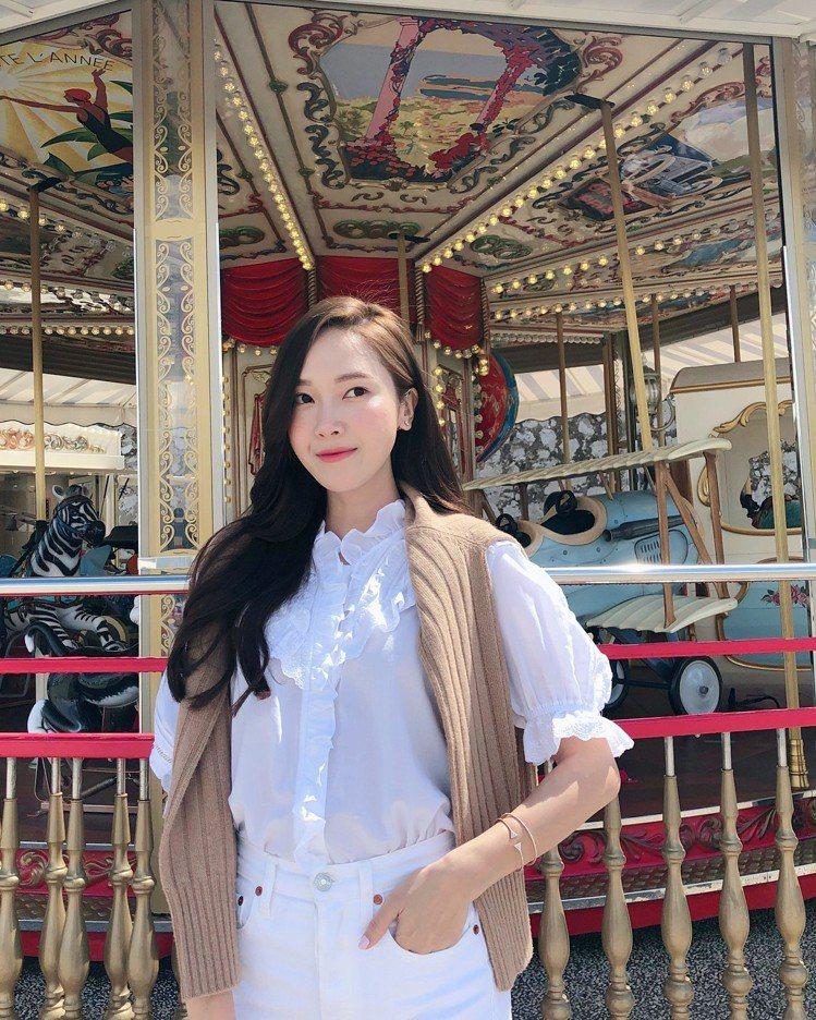 韓國女星、前少女時代成員Jessica熱愛時尚,還自創時尚品牌,被譽為是「偶像C...