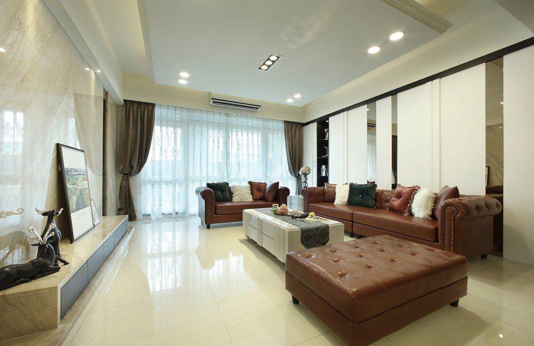 朗闊大客廳、2樓露台空中綠苑、名宅品味,步步都是超越。 圖片提供/豐大建設