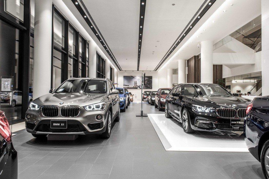 BMW Driving Gallery豪華賞車空間。 圖/汎德提供