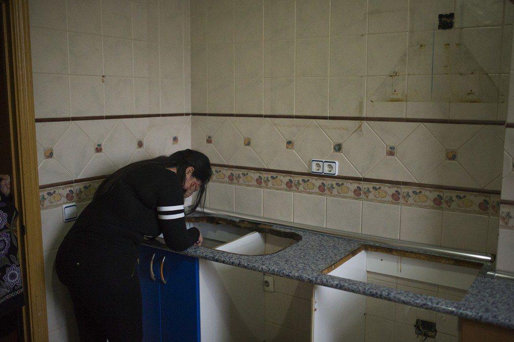 在英國,許多房東掌控一切,房客雖然付了房租,卻只能任憑處置,無權置喙。據庇護組織...