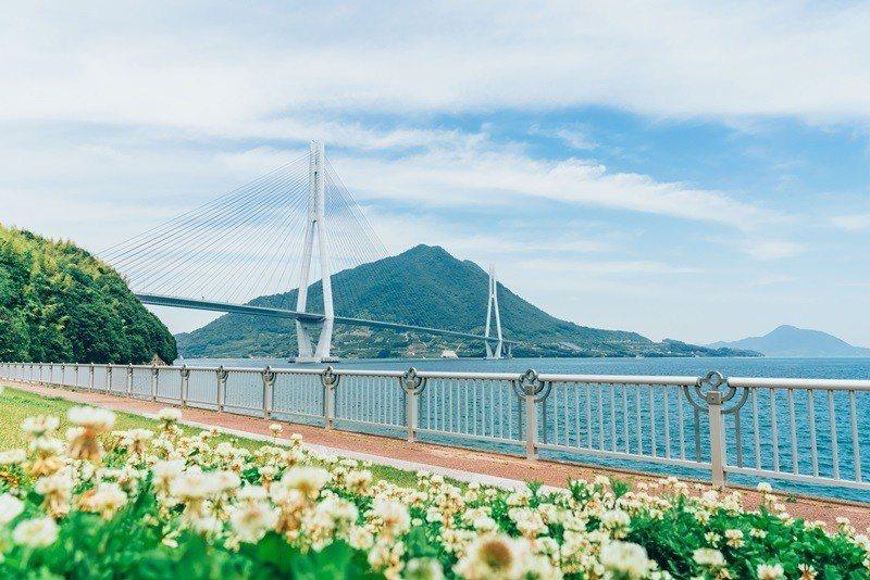 多多羅橋鋪設完善的自行車道以及上橋引道。