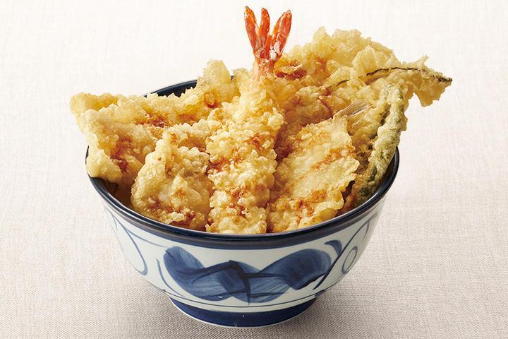 主打炸蝦與星鰻的海老穴子天丼,每份950日圓起。圖/取自天丼てんや官網