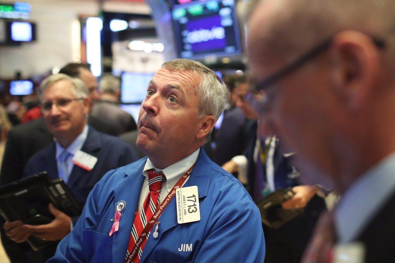 科技股帶動美股走高,標普500指數逼近收盤歷史高點。 路透