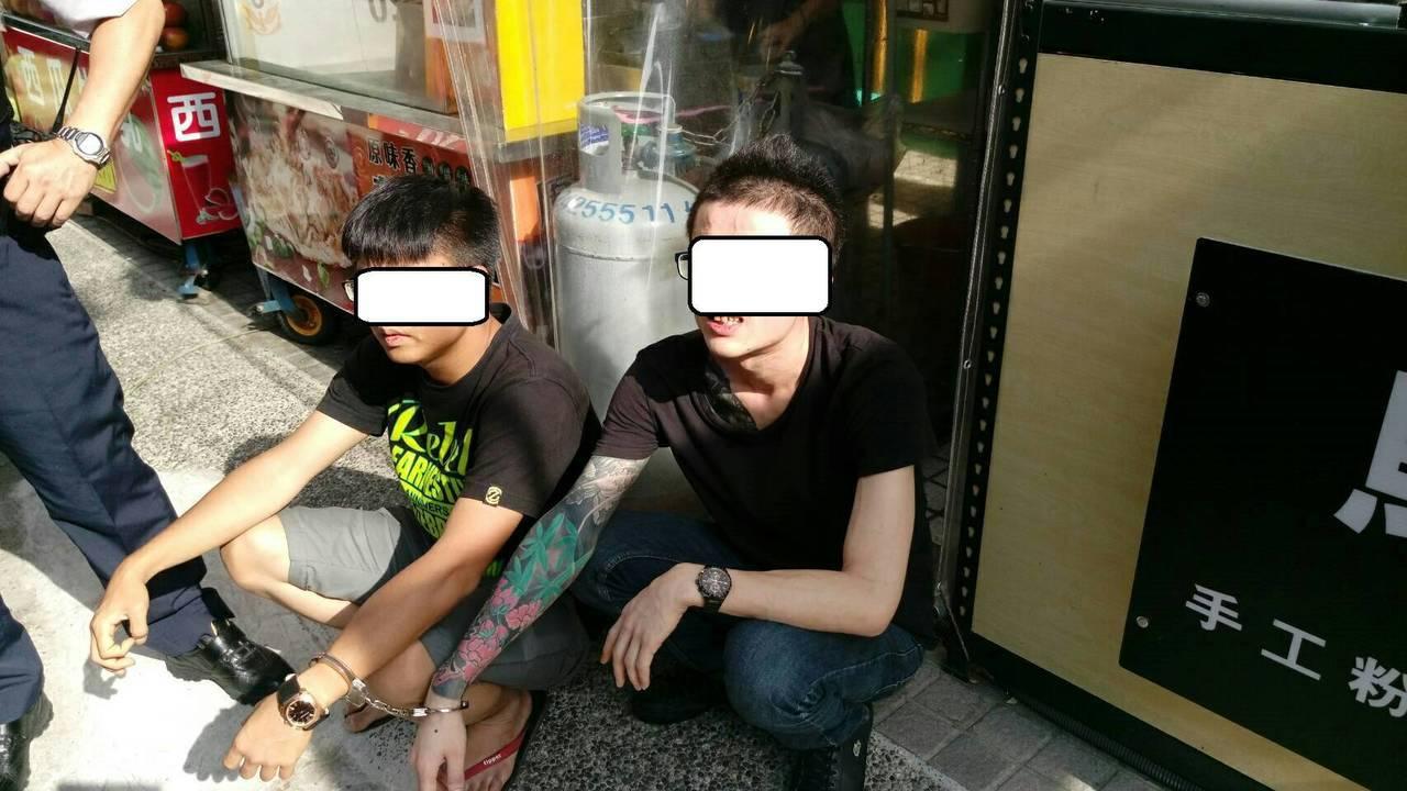 台中市警局保大利用大數據分析打詐抓毒,今年6月間查獲蕭姓、方姓男子在車內夾帶8公...